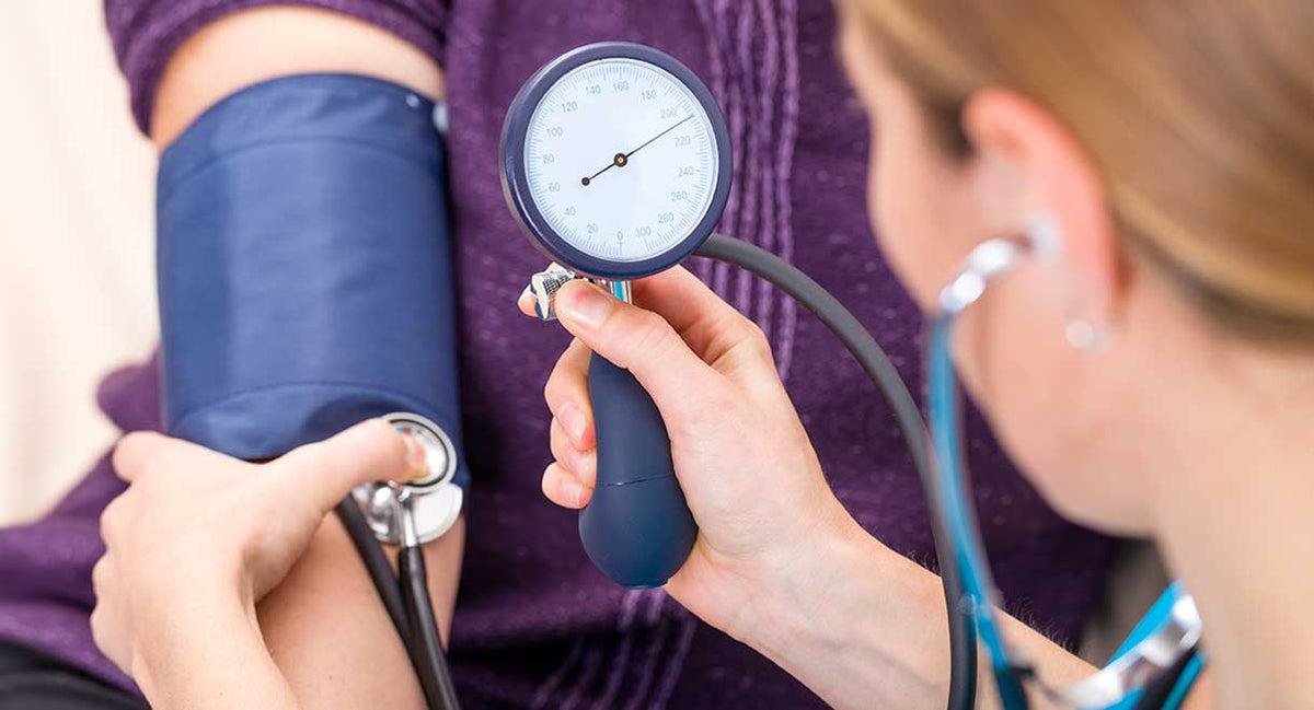 a beteg magas vérnyomásban szenved