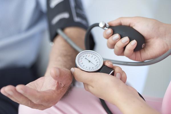 echo-cs hipertónia esetén a magas vérnyomás gyantával történő kezelése