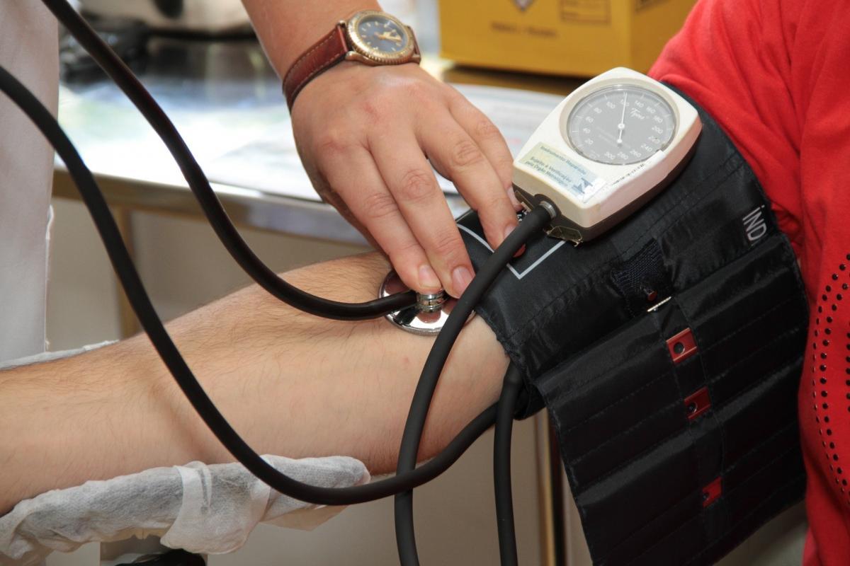 megtalálja, hogyan lehet megszabadulni a magas vérnyomástól