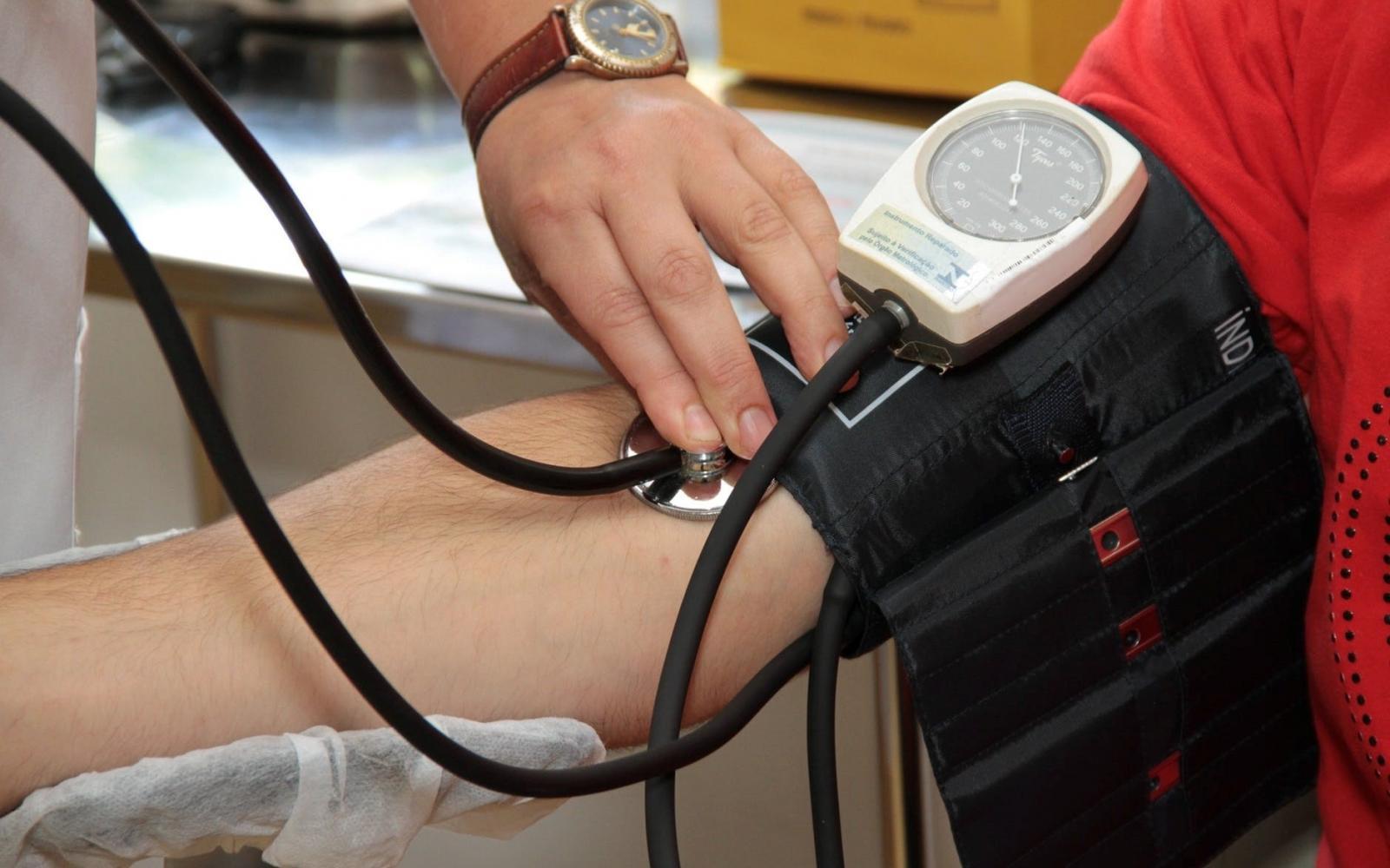 magas vérnyomás az elítélteknél