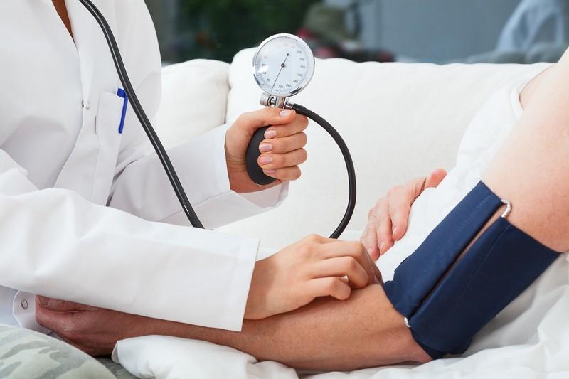 mérsékelt magas vérnyomás kezelése