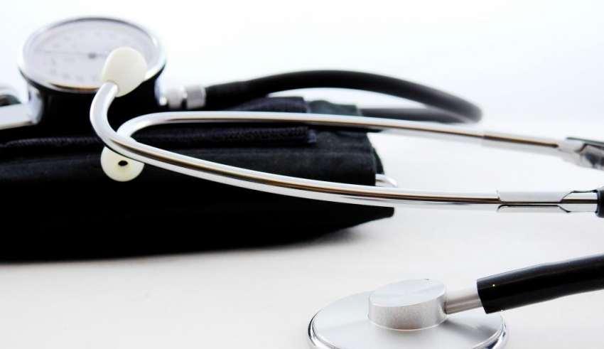 a 3 fokozatú magas vérnyomás nem csökken súlyemelés és magas vérnyomás