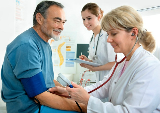 fogyatékosság magas vérnyomás és diabetes mellitus esetén