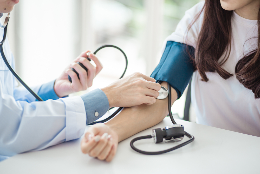 magas vérnyomás tapintása