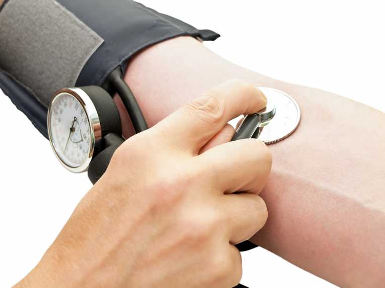 magas vérnyomás zsugorodott vesével