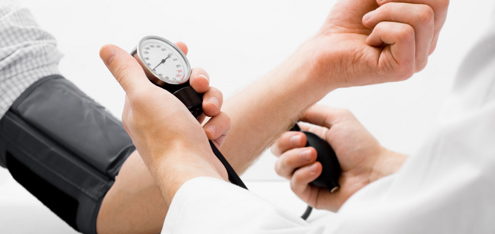 magas vérnyomás táplálás közben magas vérnyomás esetén sokat ihat