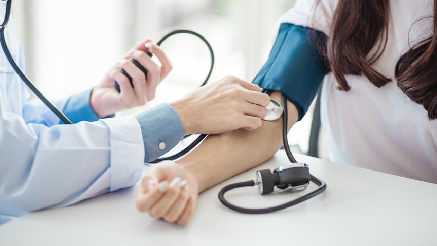 rosszindulatú magas vérnyomás tünetei és kezelése idegösszeomlások magas vérnyomás